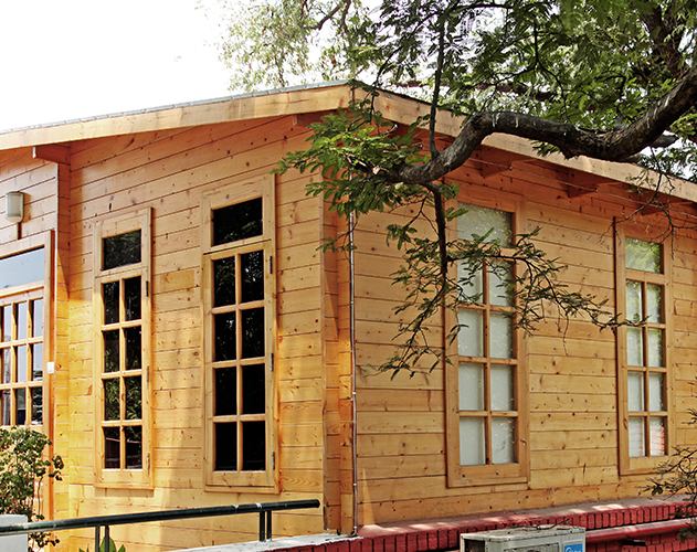 Madras Boat Club  <abbr>Chennai, Tamil Nadu <br>  SPF pre-fabricated timber room on the terrace</abbr>